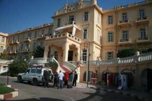 Rond twee uur in de middag komen we in Luxor aan om voor drie nachten in te checken in het chique Old Winter Palace.