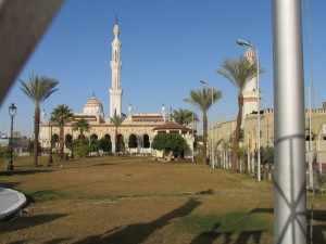 De befaamde moskee van Qena - Egypte reis door de woestijn