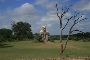 Paul Kruger se granietbeeld getuigt van een stil eerbetoon aan het begin.