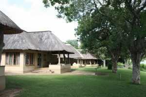 Skukuza is gesitueerd in het gebied tussen de Sabie en Crocodil rivier, dat in 1898 officieel uitgekozen werd voor The Sabie Game reserve. Femke II, Kruger jan. 2011 489